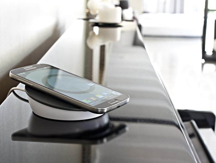 navilock kabellose qi ladestation. Black Bedroom Furniture Sets. Home Design Ideas